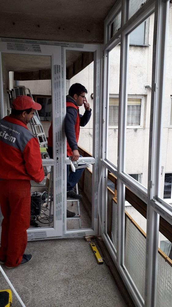 Inchiderea balconului cu tamplaria PVC
