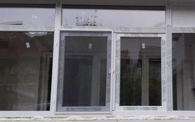 Inchiderea balconului folosind tamplaria PVC cu geam termopan sau tripan